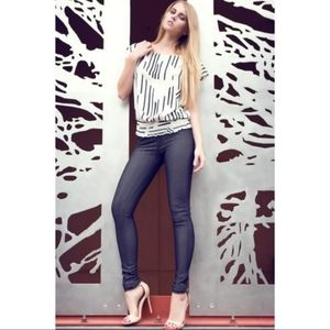 Classic Small / Large Designer Jeggings Amazing